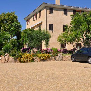 Bienvenue à Casa Favalella, notre parking privé pour vous garer sans stress