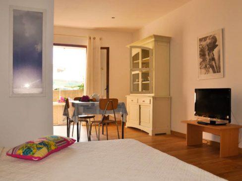 Location studio pour 2 en Corse du Sud – Le Rosier, Casa Favalella